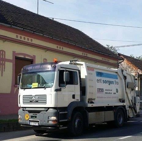 A fost achiziționată o autoutilitară de gunoi, în vederea unei mai bune desfășurări a activității de ridicare a deșeurilor din oraș