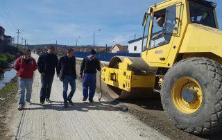 Lucrări de asfaltare a străzii Bichiștin